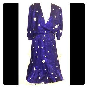 Dresses & Skirts - Vintage flower and polka dot dress.